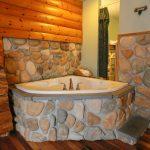 Merry Manor Inn L.L. Bean Room Hot Tub