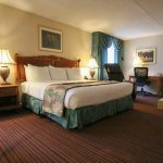 Merry Manor Inn Suite With Hot Tub